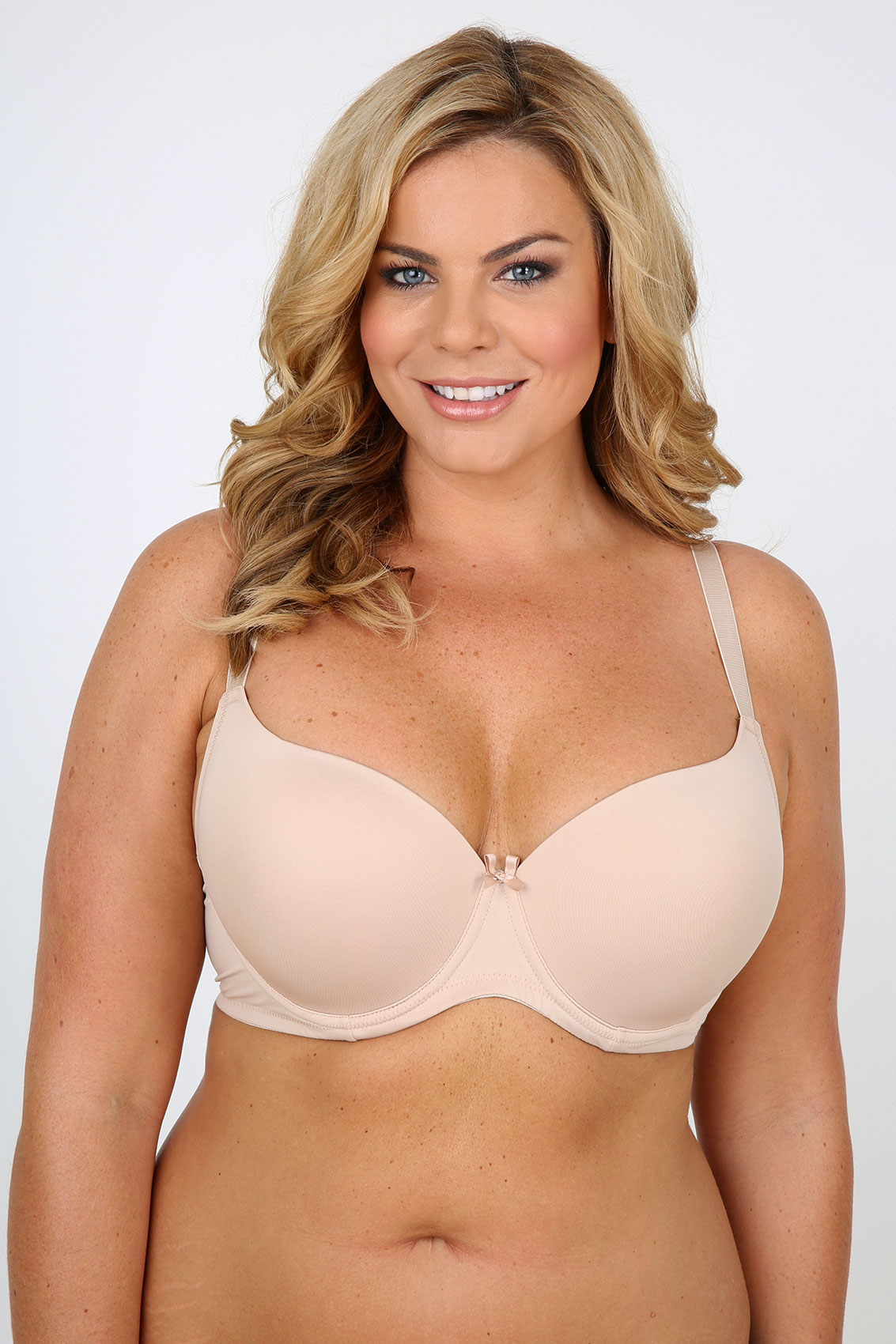 UK to Australian Bra Size With a UK to Australian (French to UK) Bra Size Converter at hand, you are ready to do your bra shopping from both USA/Canada and Australia/New Zealand. So what are you waiting for?:) Need to Determine Your Bra Size? To convert your bra size, you need to know your bra size See how to measure and determine UK Bra Size or Australian Bra Size.