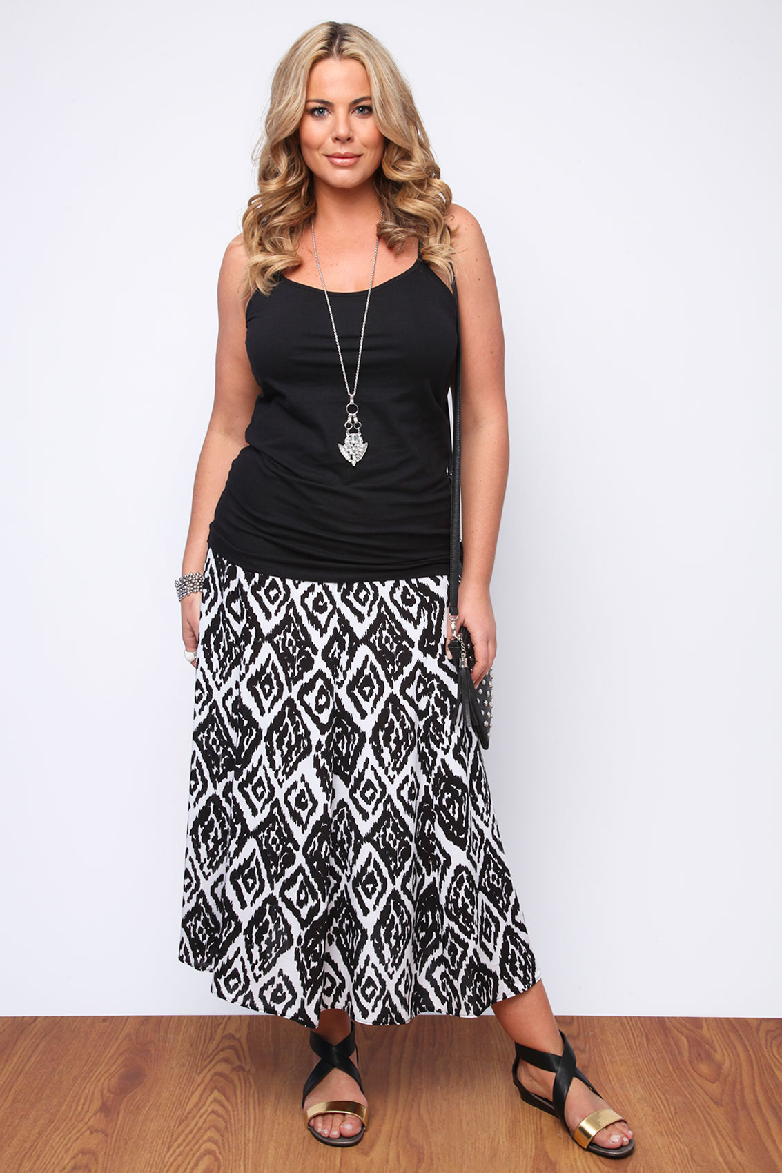 black and white aztec print maxi skirt plus size 16 18 20. Black Bedroom Furniture Sets. Home Design Ideas