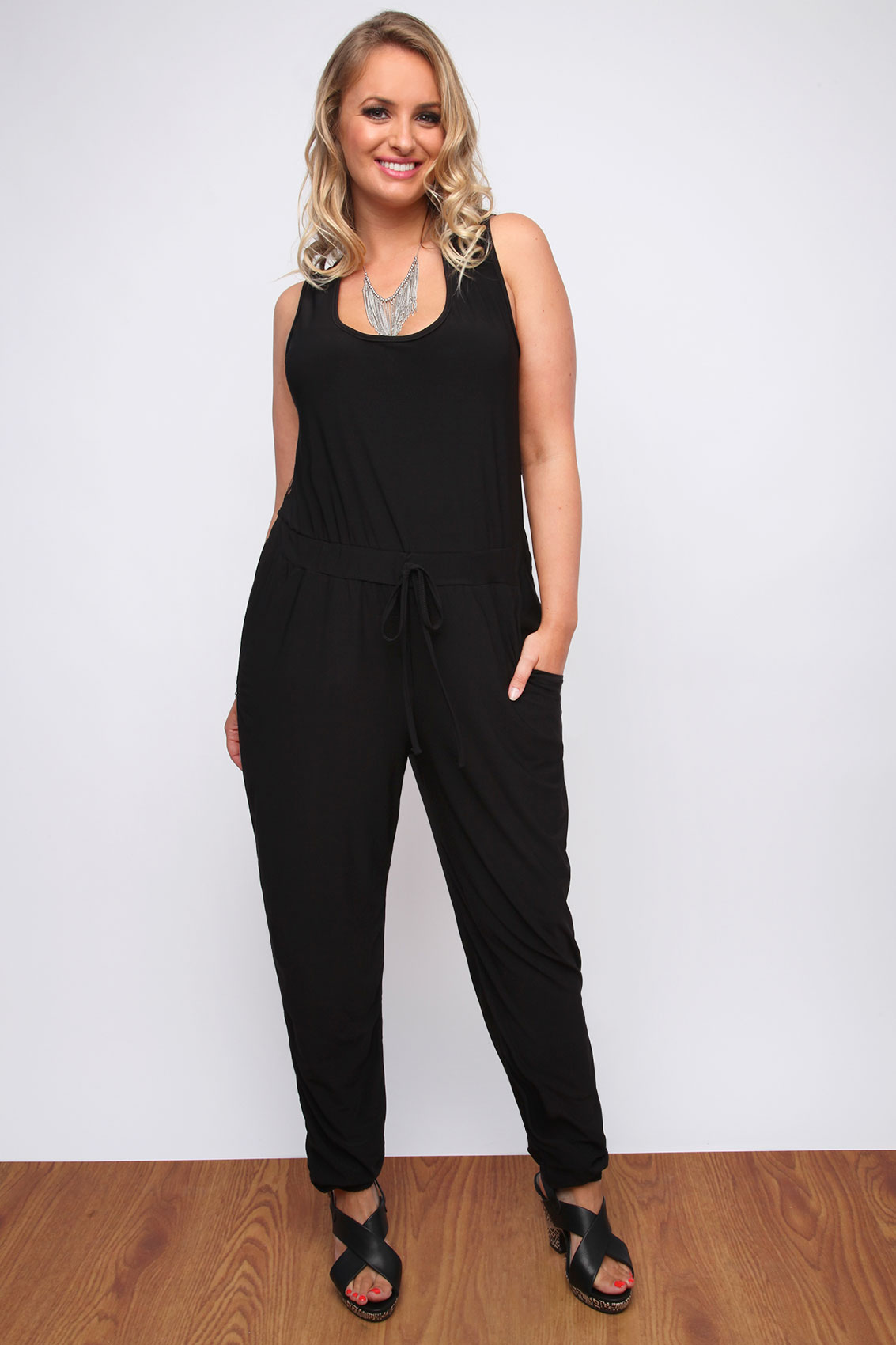 The mens jumpsuits are an excellent choice for casual wear because they offer coziness. The men's jumpsuits are a popular choice because they offer movability, flexibility and comfort. They are the perfect clothing choice for relaxing at home.