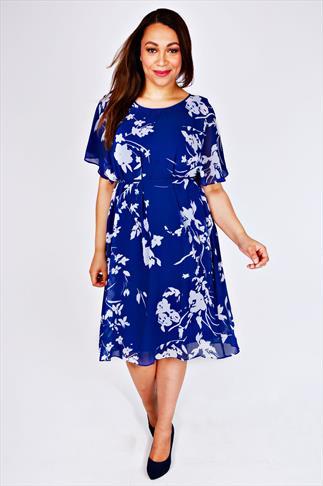 SCARLETT & JO Blue & White Floral Print Kimono Dress