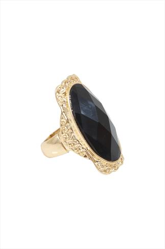 Black Stone Strech Cocktail Ring With Gold Frame