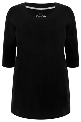 Black Scoop Neckline T-shirt With 3/4 Sleeves