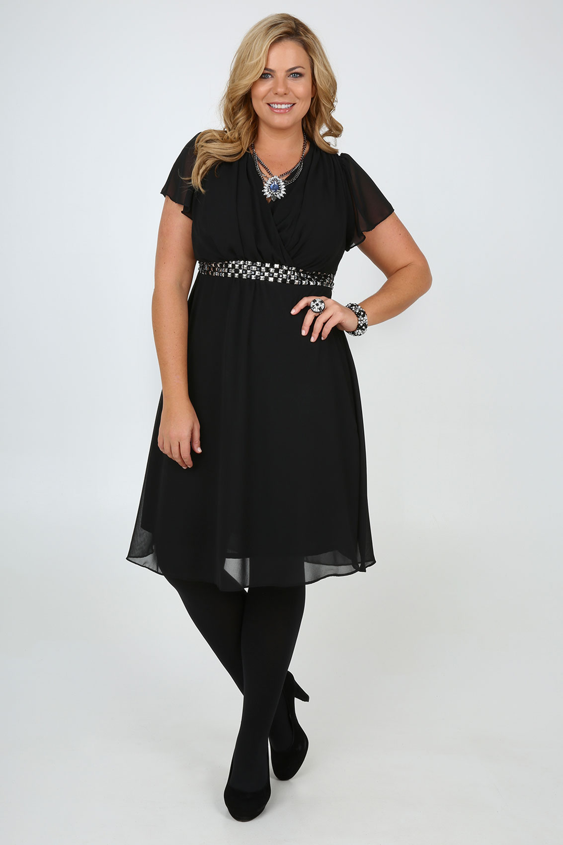 ASOS Maternity Size Guide ASOS maternity clothes are cut larger on the bust waist and hips and are designed to fit the following body measurements. Tip: Most often the maternity size which is correct for you will be the same size as you normally wear.